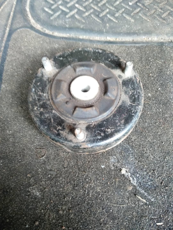 Опора амортизатора верхняя (чашка)