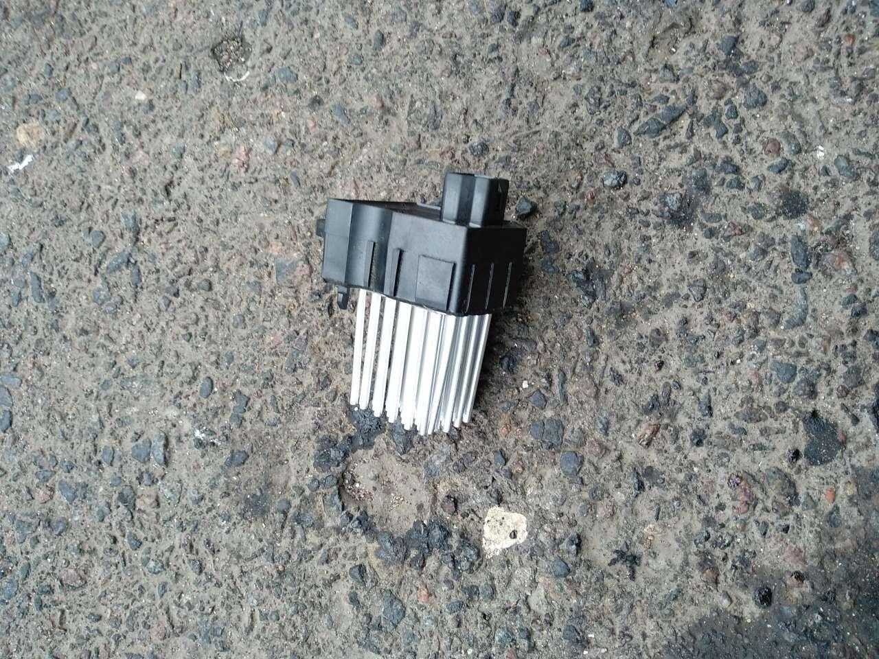 Сопротивление отопителя (моторчика печки)