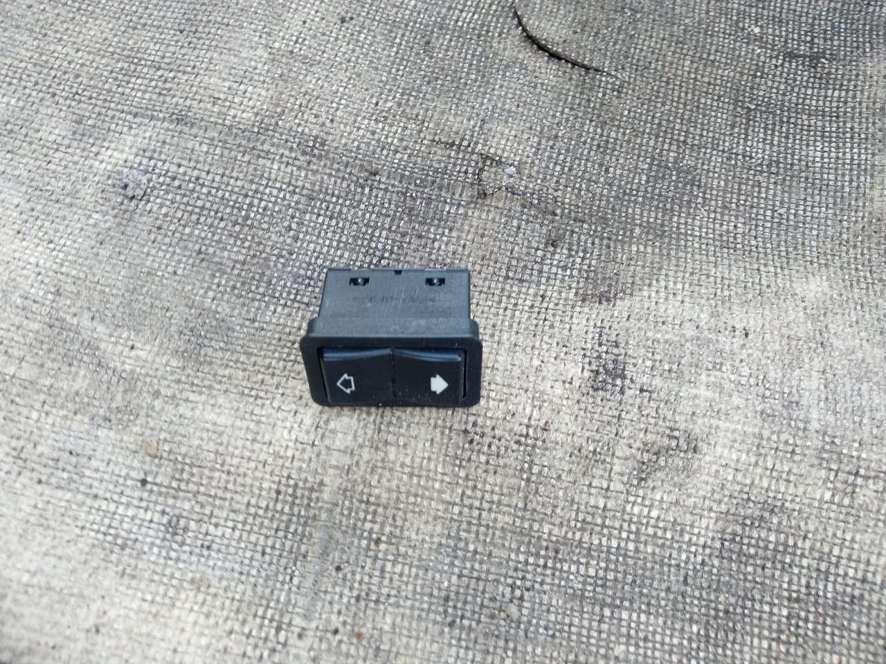 Кнопка стеклоподъемника (блок кнопок)