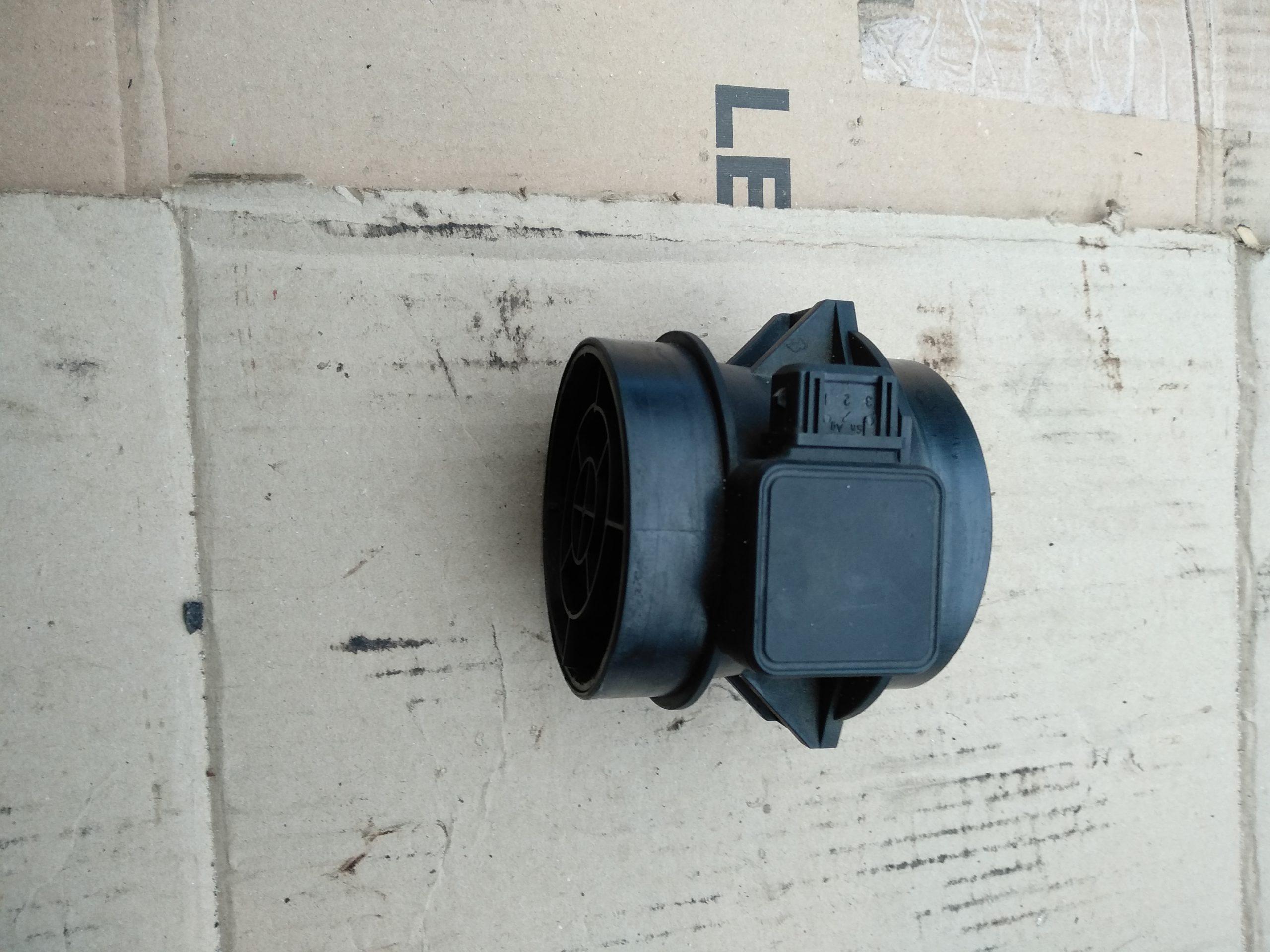 Измеритель потока воздуха (расходомер)